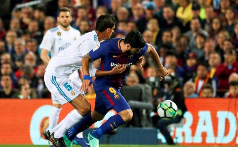 """Hernández Hernández ignoró al cuarto árbitro, quien le dijo que """"falta Suárez"""" en el gol de Messi al Real Madrid"""