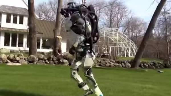 Así es como se ejecuta el robot humanoide de Boston Dynamics