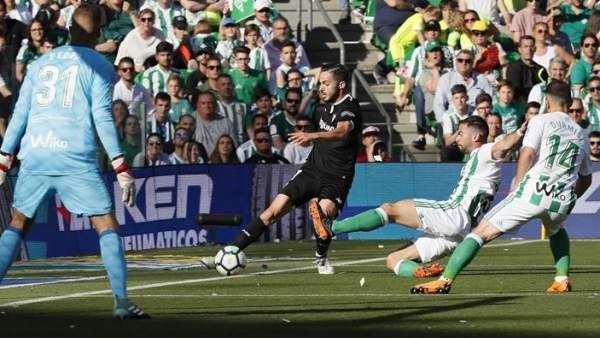 Sevilla confirma su presencia en Europa en un derbi frenético contra el Betis
