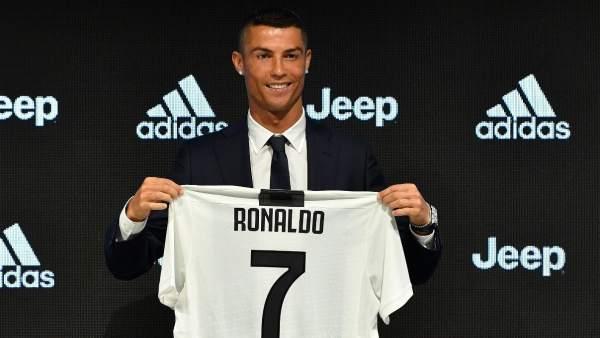 """Cristiano Ronaldo: """"Jugar para la Juventus ha sido una decisión fácil"""""""