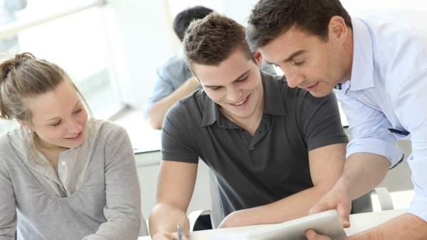 El Gobierno anuncia un plan para mejorar la calidad del empleo juvenil