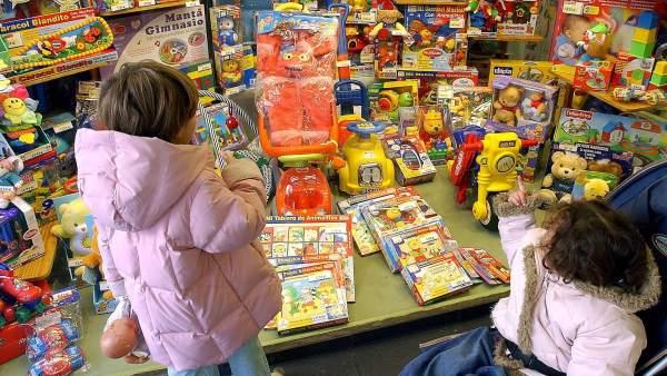 El plástico de algunos juguetes y accesorios para el cabello contiene sustancias tóxicas